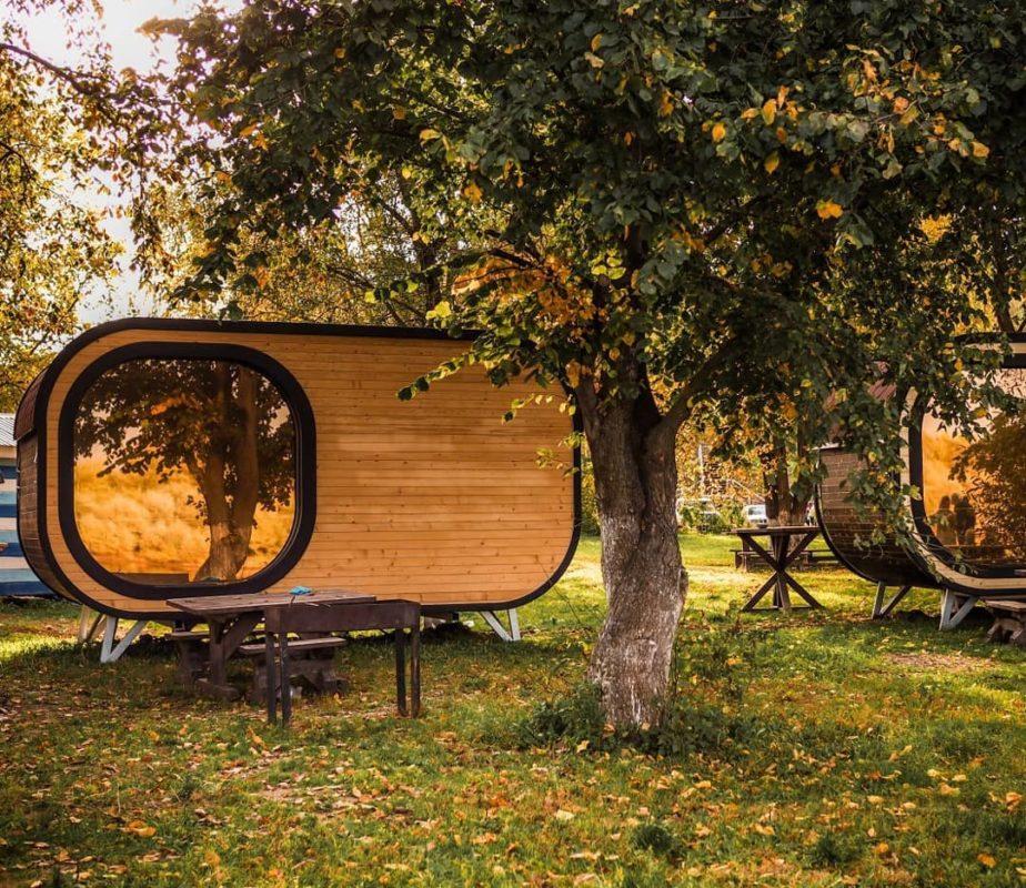 Уютный осенний отдых в капсулах с видом на Оку